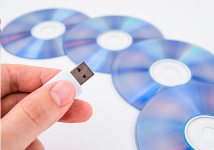 CD、DVD、USBなどの電子記録媒体